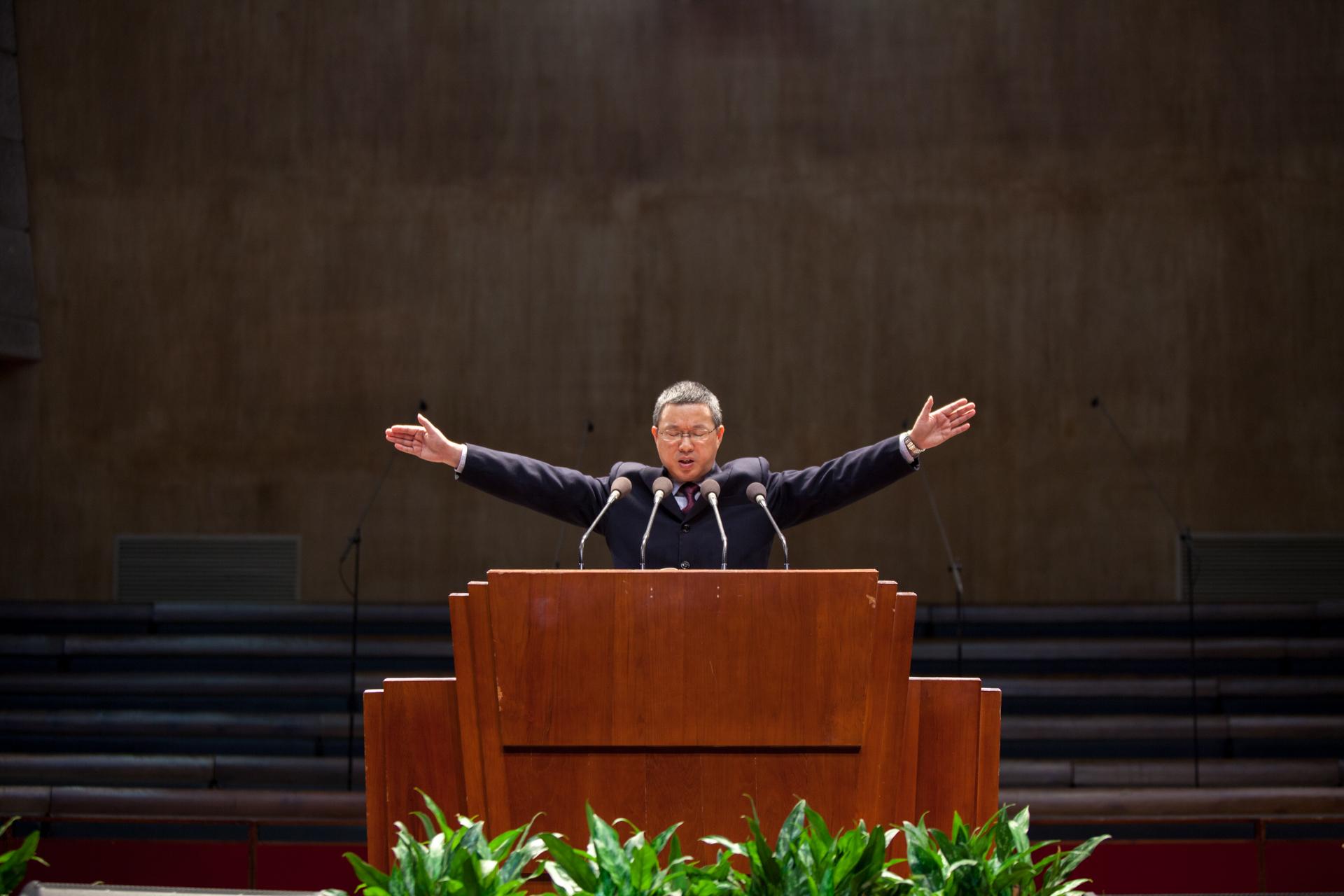 """138篇   敬拜团献唱:《""""圣哉、圣哉,我敬拜你全能神""""组曲》   (音"""